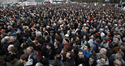 Anti-Putin protesters march in Moscow, but momentum weakened