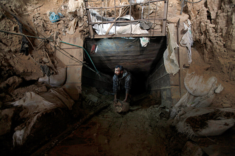 KFC smugglers bring buckets of chicken through Gaza tunnels