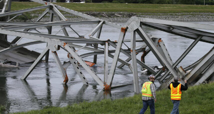 Collapse of I-5 bridge in Washington State: no fatalities, many questions