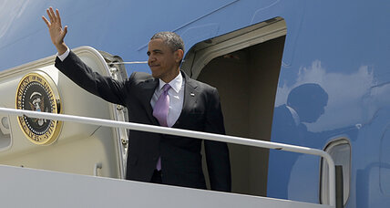 Obama approval rating slides: Scandals taking toll? (+video)