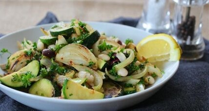 Meatless Monday: Mediterranean zucchini and white beans