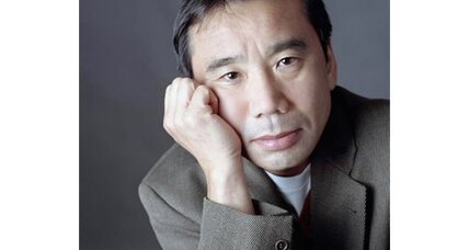 '1Q84' author Haruki Murakami makes his first public appearance in Japan in 18 years