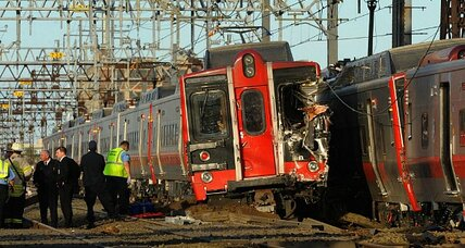 Collision closes New York area train route as NTSB investigates (+video)