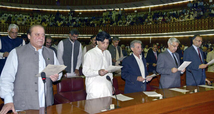 Historic swearing in for Pakistani lawmakers as challenges lie ahead