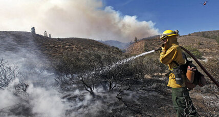 Wildfire policy: Time for US to rely less on shovels, hoses, retardant?