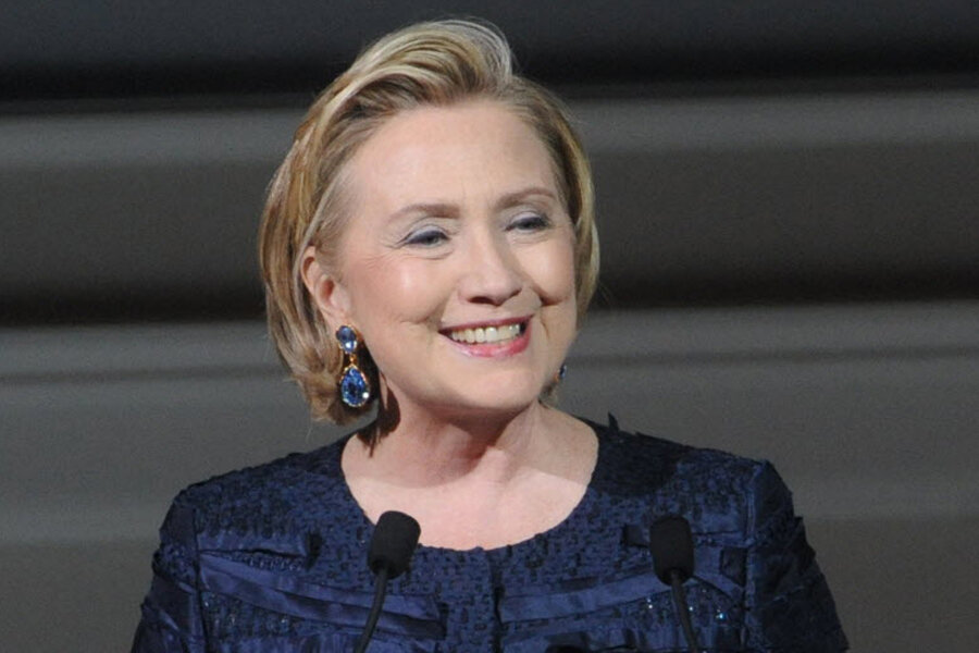 Hillary Clinton Twitter debut: Bio claims hair icon ...