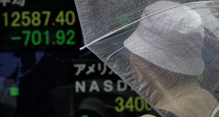 Japanese stocks plunge, rattling world markets