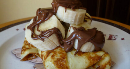 Caramelized bananas and Nutella crepes