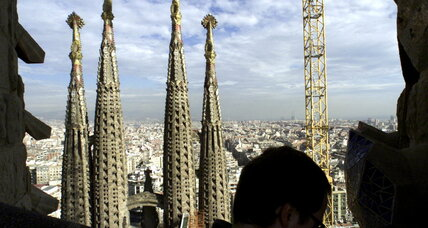Antoni Gaudí: What does his architecture stand for?