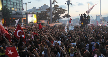 Will Erdogan's referendum bid be enough to quiet Turkey's furious crowds? (+video)