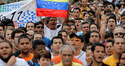 Venezuelan university workers take to the streets