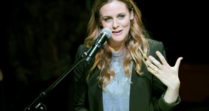 Alicia Silverstone: Breast milk sharing program rooted in love, don't laugh