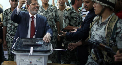 Egypt ousts Mursi, creating dilemma for West