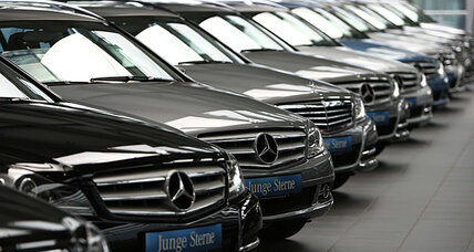 Mercedes-Benz, Infiniti offer best customer service, study says.