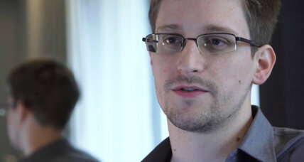 Is US public rallying around Edward Snowden? (+video)