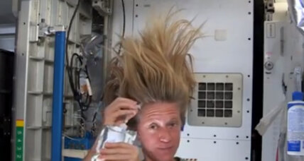 Astronaut Karen Nyberg washing her hair: Who knew it could bring us together?