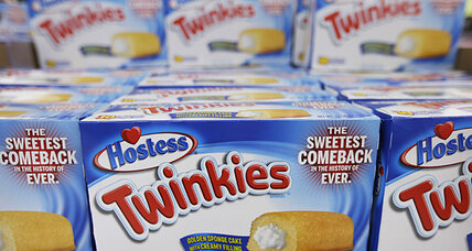 Hostess Twinkies return to stores, but unionized jobs disappear (+video)