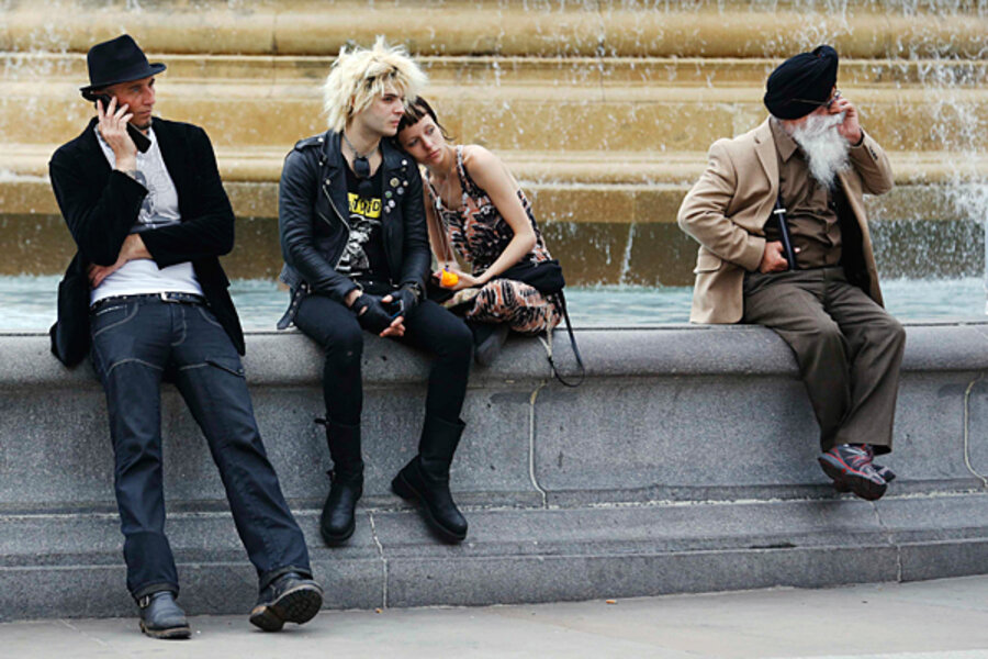 Hung up over not hanging up, Britain mulls modern mobile manners