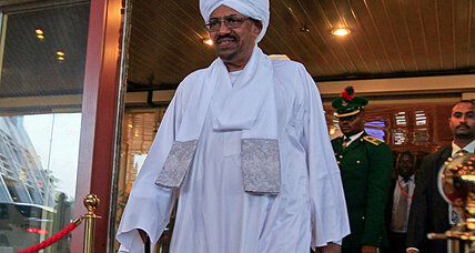 In Nigeria, Sudan's Bashir plays cat and mouse with international court