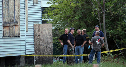 3 bodies found in Cleveland suburb, police expand search (+video)