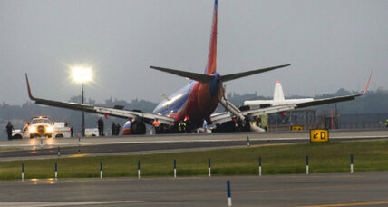 Southwest jet's landing-gear collapse: third major runway accident this month
