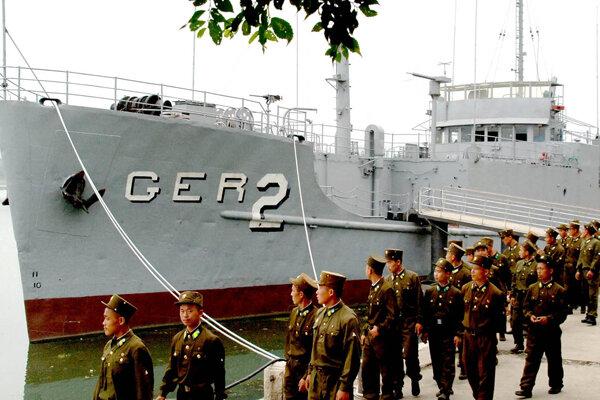 Resultado de imagen de North Korea seizes U.S. ship Pueblo