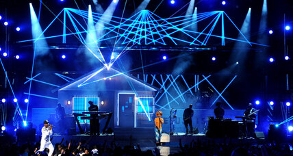BET Awards: Timberlake, Wilson, Miguel shine on stage (+video)