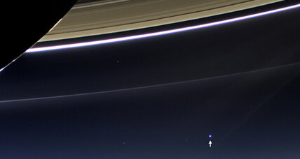 Cassini Saturn photo: A view of Earth from 900 million miles away