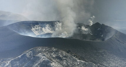 Duel of the natural disasters: Earthquakes cause volcanos to shrink