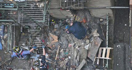New York building collapse follows explosion, injures 12