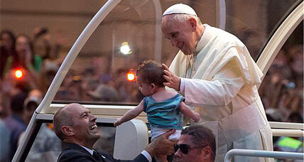 Pope visits Brazil: Crowds delight Pope Francis, frustrate his guards