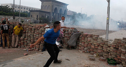 Violent clashes between Egyptian security and Morsi supporters