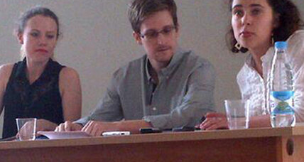 Snowden says data can't leak if he doesn't want it to