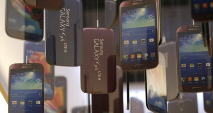 Android dominates, BlackBerry market share slides globally