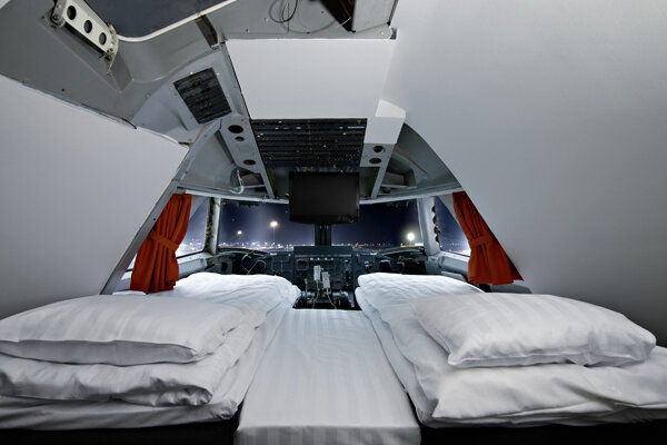 39 sleeping on the plane 39 takes on new meaning in stockholm. Black Bedroom Furniture Sets. Home Design Ideas