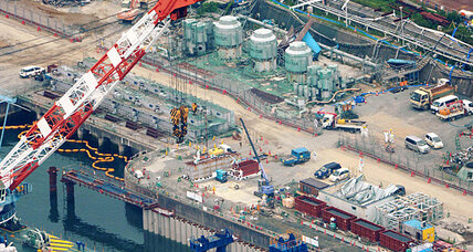 Fukushima nuclear plant: 10 workers exposed to radiation