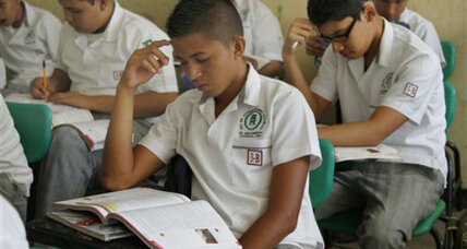 Mexican teachers scramble to correct flawed textbooks