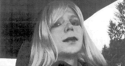 Bradley Manning wants to live as 'Chelsea.' Will prison go along? (+video)