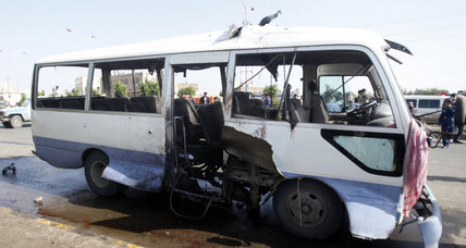 Yemen: Bombing of air force bus kills at least one officer