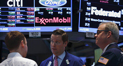 Stocks close higher. Syria, oil worries linger.