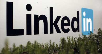 LinkedIn launches in-app job application feature