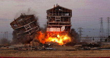 Power plant demolition in Bakersfield goes wrong