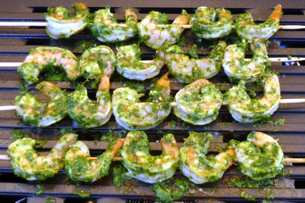 Marinate jumbo shrimp in pesto for 20 minutes, then heat up the grill ...
