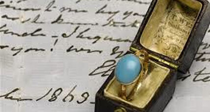 Kelly Clarkson, museum vie for Jane Austen ring