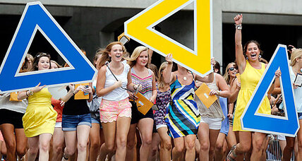 U of Alabama students protest 'whites only' sororities (+video)