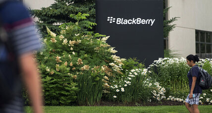 BlackBerry to lay off 4,500 employees, as losses mount