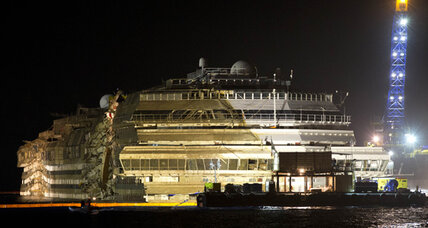 Costa Concordia raised: 'The redemption of a nation bowed' (+video)
