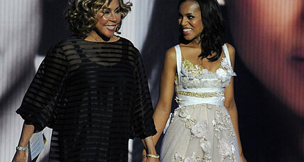Diahann Carroll passes Emmy torch to Kerry Washington