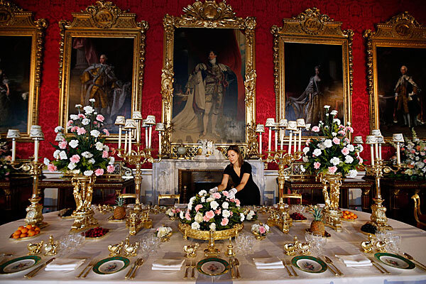 Buckingham Palace: Two suspected burglars arrested - CSMonitor.com