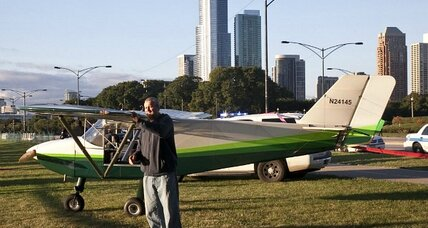 Honey? I just landed my airplane on Lake Shore Drive. (+video)